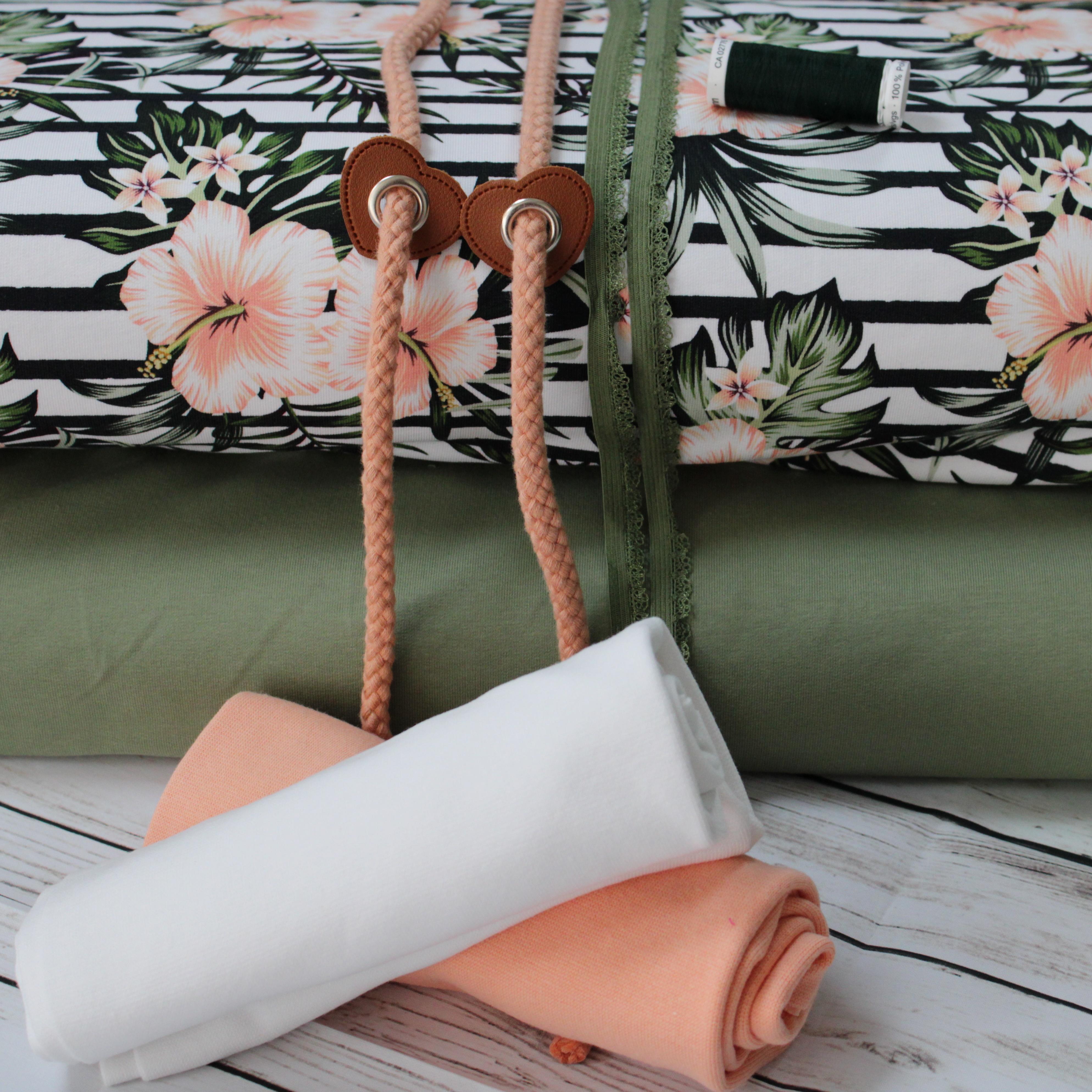 Tropical Flowers Stoffpaket - Eigenproduktion - 6 Meter Tüddelkram und Stoffe
