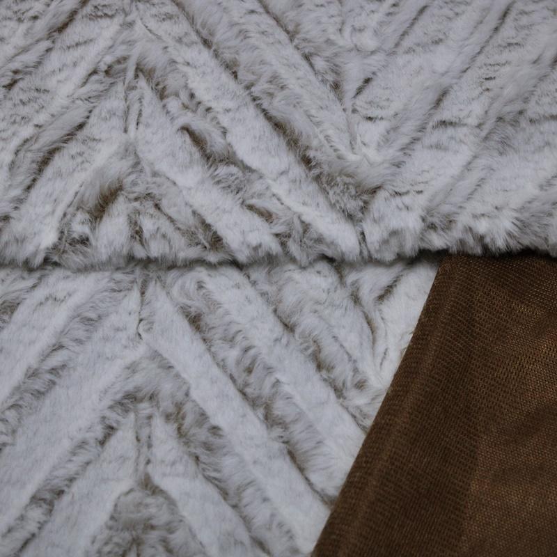 Fleece - Kuschelfleece Stoff - Zackenmuster - Weiß/Taupe