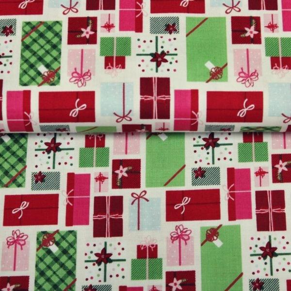 Baumwoll Stoff - Webware - Weihnachten - Geschenke auf Ecru Reststück 100cm x 115cm
