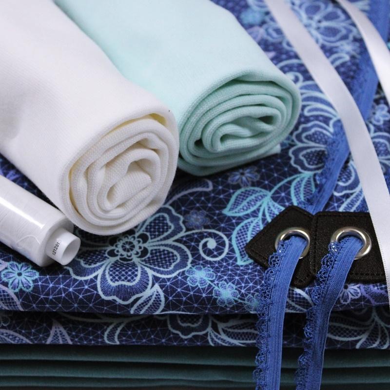 Lacy Blue Stoffpaket XL - 6 Meter Tüddelkram und Stoffe