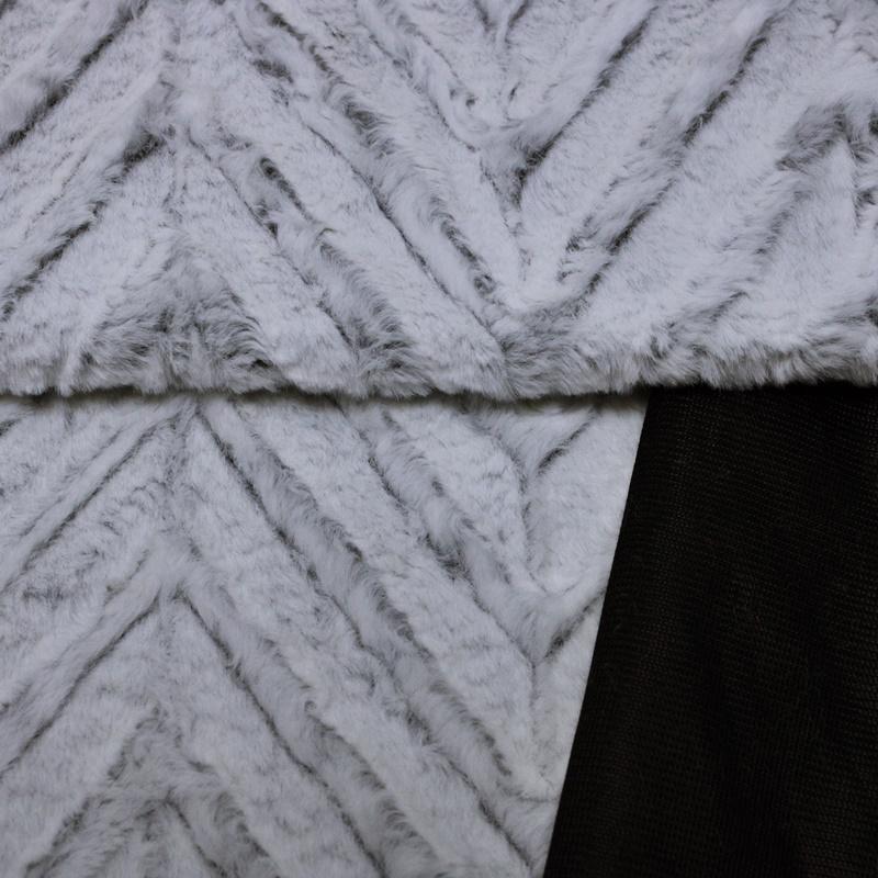 Fleece - Kuschelfleece Stoff - Zackenmuster - Weiß/Schwarz